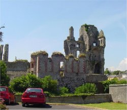 Askeaton_Castle_from_the_East